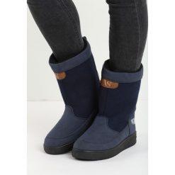 Granatowe Śniegowce Carry Power. Czarne buty zimowe damskie Born2be. Za 69,99 zł.