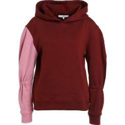 Bluzy rozpinane damskie: Tibi SCULPET HOODIE Bluza z kapturem burnt red multi