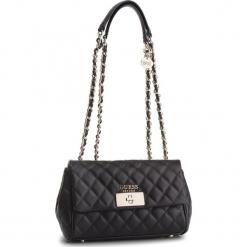 Torebka GUESS - HWVG71 75180 BLA. Czarne torebki klasyczne damskie Guess, z aplikacjami, ze skóry ekologicznej. Za 629,00 zł.