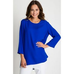 Niebieska bluzka z rękawem 3/4 oraz kieszeniami BIALCON. Niebieskie bluzki z odkrytymi ramionami marki BIALCON, z tkaniny, wizytowe, z okrągłym kołnierzem. W wyprzedaży za 109,00 zł.