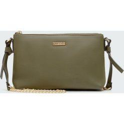 Zielona torebka basic. Zielone torebki klasyczne damskie Pull&Bear. Za 59,90 zł.