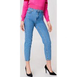 Trendyol Jeansy z wysokim stanem Mom - Blue. Niebieskie spodnie z wysokim stanem Trendyol, z podwyższonym stanem. W wyprzedaży za 42,59 zł.