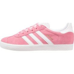 Adidas Originals GAZELLE  Tenisówki i Trampki easy pink/footwear white. Czerwone trampki dziewczęce adidas Originals, z materiału. W wyprzedaży za 215,20 zł.