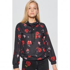 Bluza kwiatowa MIX and MATCH - Czarny. Czarne bluzy damskie marki Cropp, l. Za 99,99 zł.