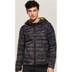 Pikowana kurtka z kapturem - Wielobarwn. Czarne kurtki męskie pikowane marki House, l, z kapturem. Za 149,99 zł.
