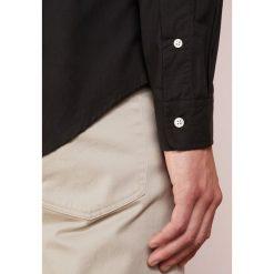 Polo Ralph Lauren NATURAL SLIM FIT Koszula black. Szare koszule męskie slim marki Polo Ralph Lauren, l, z bawełny, button down, z długim rękawem. Za 419,00 zł.