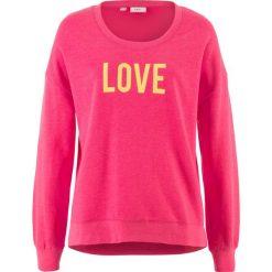 Bluza z nadrukiem bonprix różowy hibiskus z nadrukiem. Czerwone bluzy z nadrukiem damskie marki bonprix. Za 37,99 zł.