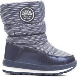 Granatowe Śniegowce Get used to. Niebieskie kozaki dziewczęce marki Born2be, z materiału, z okrągłym noskiem, na platformie. Za 89,99 zł.