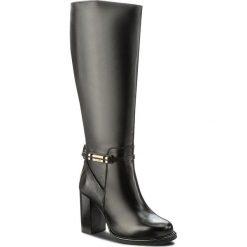 Kozaki TOMMY HILFIGER - Hillary 10A FW0FW01437 Black 990. Czarne buty zimowe damskie marki TOMMY HILFIGER, ze skóry, na obcasie. W wyprzedaży za 719,00 zł.