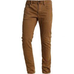GStar 3301 DECONSTRUCTED SLIM COJ Jeansy Slim Fit inza stretch denim od oxide ocre. Czerwone jeansy męskie relaxed fit marki G-Star, l, z napisami. Za 469,00 zł.