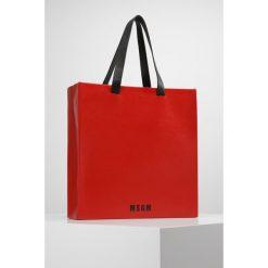 MSGM Torba na zakupy red. Czerwone torebki klasyczne damskie MSGM. W wyprzedaży za 1007,20 zł.