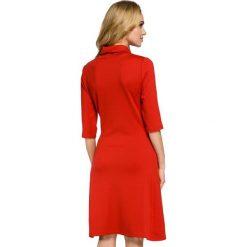 RACHELE Sukienka z golfem - czerwona. Czerwone sukienki balowe marki Moe, z dzianiny, z golfem. Za 136,99 zł.