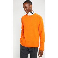 Swetry męskie: Weekday MURAL Sweter orange