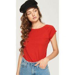 T-shirt basic - Czerwony. Czerwone t-shirty damskie Sinsay, l. Za 9,99 zł.