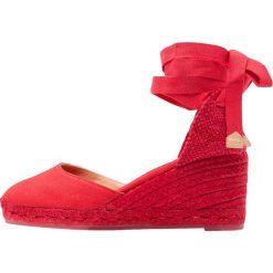 Buty ślubne damskie: Castañer CARINA Czółenka sznurowane rojo rubi