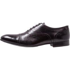 Base London VIOLA Eleganckie buty black. Czarne buty wizytowe męskie Base London, z materiału, na sznurówki. Za 399,00 zł.