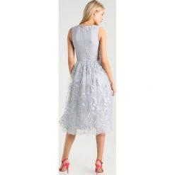 Sukienki hiszpanki: Chi Chi London Tall DEKANA Sukienka koktajlowa grey