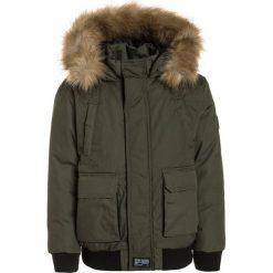 Redskins WEAVER Kurtka zimowa kaki. Zielone kurtki chłopięce zimowe marki Redskins, z bawełny. W wyprzedaży za 335,20 zł.