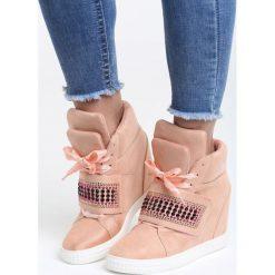Różowe Sneakersy Stop Me Now. Czerwone sneakersy damskie marki Born2be, z materiału. Za 119,99 zł.