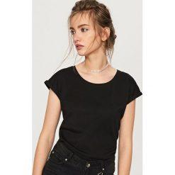 T-shirt z bawełny organicznej - Czarny. Czarne t-shirty damskie Reserved, l, z bawełny. Za 24,99 zł.
