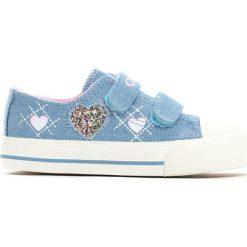 Niebieskie Trampki Sweet Heart. Niebieskie trampki chłopięce marki Born2be, z denimu, z okrągłym noskiem. Za 39,99 zł.