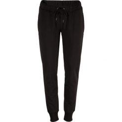 Outhorn Spodnie damskie HOL18-SPDD600 czarne r. L. Szare spodnie dresowe damskie marki Outhorn, melanż, z bawełny. Za 56,00 zł.