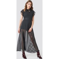Trendyol Sukienka maxi Flounce Sleeve - Black. Szare długie sukienki marki Trendyol, na co dzień, z elastanu, casualowe, dopasowane. Za 100,95 zł.