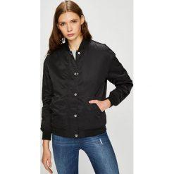 Calvin Klein Jeans - Kurtka bomber. Czarne bomberki damskie marki Calvin Klein Jeans, l, z jeansu. W wyprzedaży za 459,90 zł.