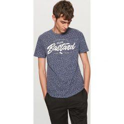 T-shirty męskie: T-shirt z nadrukiem i hasłem – Niebieski