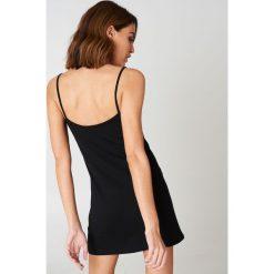 NA-KD Basic Sukienka NA-KD Basic - Black. Różowe sukienki na komunię marki NA-KD Basic, z bawełny. Za 60,95 zł.