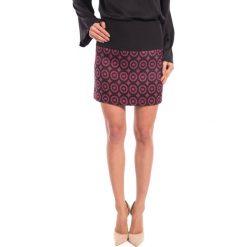 Spódnica mini we wzory BIALCON. Fioletowe minispódniczki marki BIALCON. W wyprzedaży za 65,00 zł.