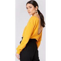 Swetry klasyczne damskie: NA-KD Basic Sweter z głębokim dekoltem z tyłu - Orange