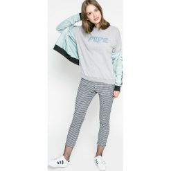 Pepe Jeans - Bluza Jimena. Różowe bluzy z nadrukiem damskie marki Pepe Jeans, z gumy, na sznurówki. W wyprzedaży za 179,90 zł.