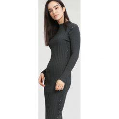 Ciemnoszara Sukienka Powder Grey. Szare sukienki dzianinowe marki other, na jesień, l. Za 89,99 zł.