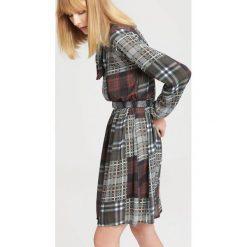 Szara Sukienka I'll Get You. Szare sukienki marki other, uniwersalny, z koszulowym kołnierzykiem, koszulowe. Za 64,99 zł.