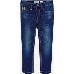 Mayoral - Jeansy dziecięce 92-134 cm. Niebieskie jeansy męskie Mayoral, z aplikacjami, z bawełny. Za 114,90 zł.