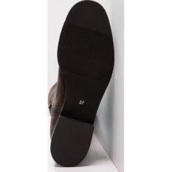 Mint&berry Muszkieterki grey. Szare buty zimowe damskie mint&berry, z materiału. W wyprzedaży za 356,30 zł.
