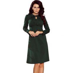 Zielona Sukienka z Kokardą przy Dekolcie. Zielone sukienki koktajlowe Molly.pl, na imprezę, m, z tkaniny, z kokardą, z długim rękawem, trapezowe. Za 146,90 zł.