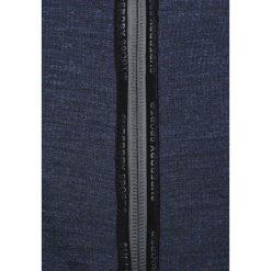 Superdry GYM TECH ZIPHOOD Bluza rozpinana indigo/petrol blue. Pomarańczowe bluzy męskie rozpinane marki Superdry, l, z bawełny, z kapturem. W wyprzedaży za 350,10 zł.