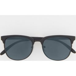 Okulary przeciwsłoneczne - Czarny. Czarne okulary przeciwsłoneczne męskie wayfarery Reserved. Za 49,99 zł.