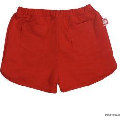 Szorty czerwone. Czerwone spodenki dziewczęce marki Pakamera, z dzianiny. Za 64,00 zł.