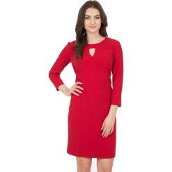 Czerwona sukienka z długim rękawem i podszewką  BIALCON. Czerwone sukienki koktajlowe marki BIALCON, l, z długim rękawem, dopasowane. W wyprzedaży za 114,00 zł.
