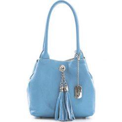 Torebki klasyczne damskie: Skórzana torebka w kolorze błękitnym – 23 x 18 x 10 cm