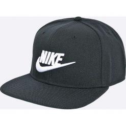Nike Sportswear - Czapka. Czarne czapki z daszkiem męskie Nike Sportswear. W wyprzedaży za 84,90 zł.