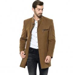 Płaszcz w kolorze jasnobrązowym. Brązowe płaszcze zimowe męskie marki AVVA, Dewberry, m. Za 539,95 zł.