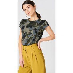 T-shirty damskie: NA-KD Trend T-shirt moro z surowym wykończeniem – Green,Multicolor