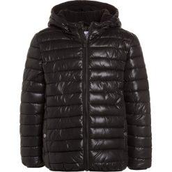 Outfit Kids WET LOOK PADDED JACKET Kurtka zimowa black. Czarne kurtki chłopięce zimowe marki Outfit Kids, z materiału. W wyprzedaży za 135,20 zł.