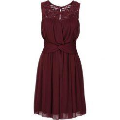 Sukienka z koronką bonprix bordowy. Czerwone sukienki koronkowe marki bonprix, w koronkowe wzory. Za 89,99 zł.