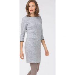 Sukienka w kropeczki. Szare sukienki hiszpanki Monnari, na co dzień, midi, dopasowane. Za 279,00 zł.