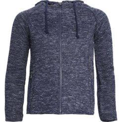 Granatowa Bluza Agility. Czarne bluzy męskie rozpinane marki Born2be, l, z aplikacjami, z dresówki. Za 59,99 zł.